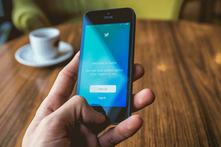 login to twitter using a smartphone